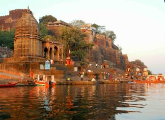 Places to visit in Maheshwar