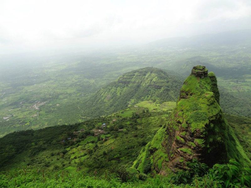 Trek to Kalavantin Fort