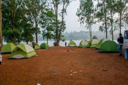 vasota-lake-side-camping