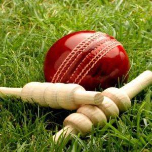 Balls-bat-free-wallpapers-hd-cricket (1)-compressed