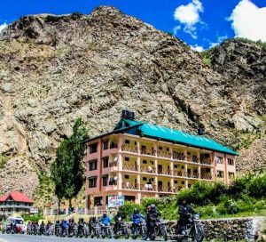 Road Trip on bike from Manali to Leh Ladakh with best Package and Price