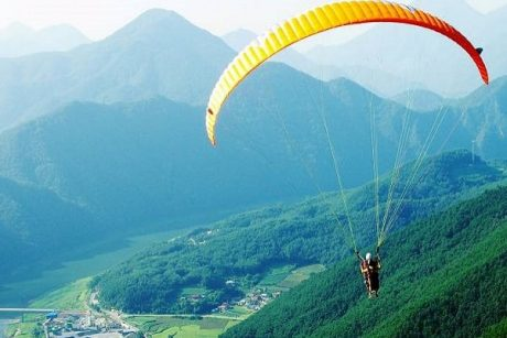 Paragliding in BirBiling