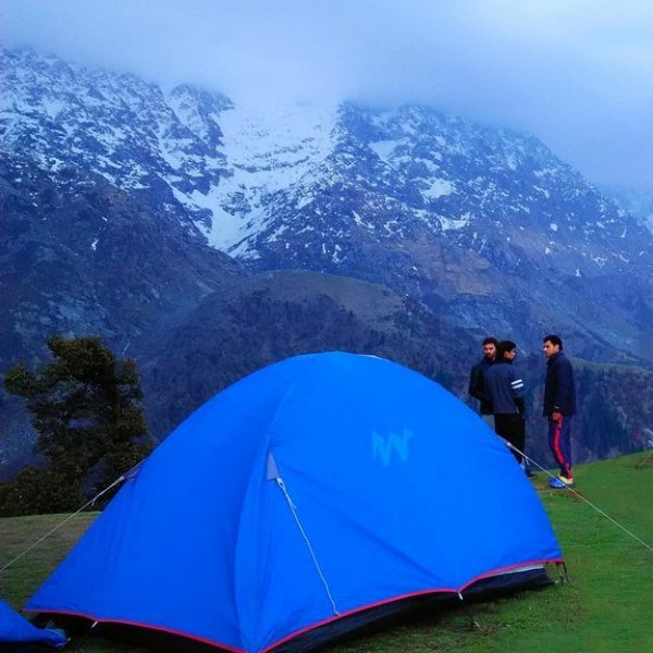 Places To Visit In Bangalore On Christmas: Snowcity Of McleodGanj & Triund:- Christmas & New Year
