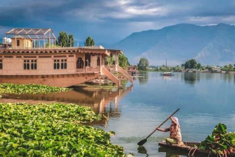 Srinagar & Srinagar Houseboat 4 Days trip