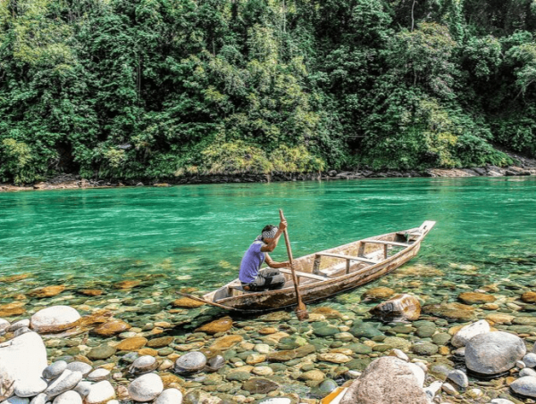 meghalaya's clean and transparent river