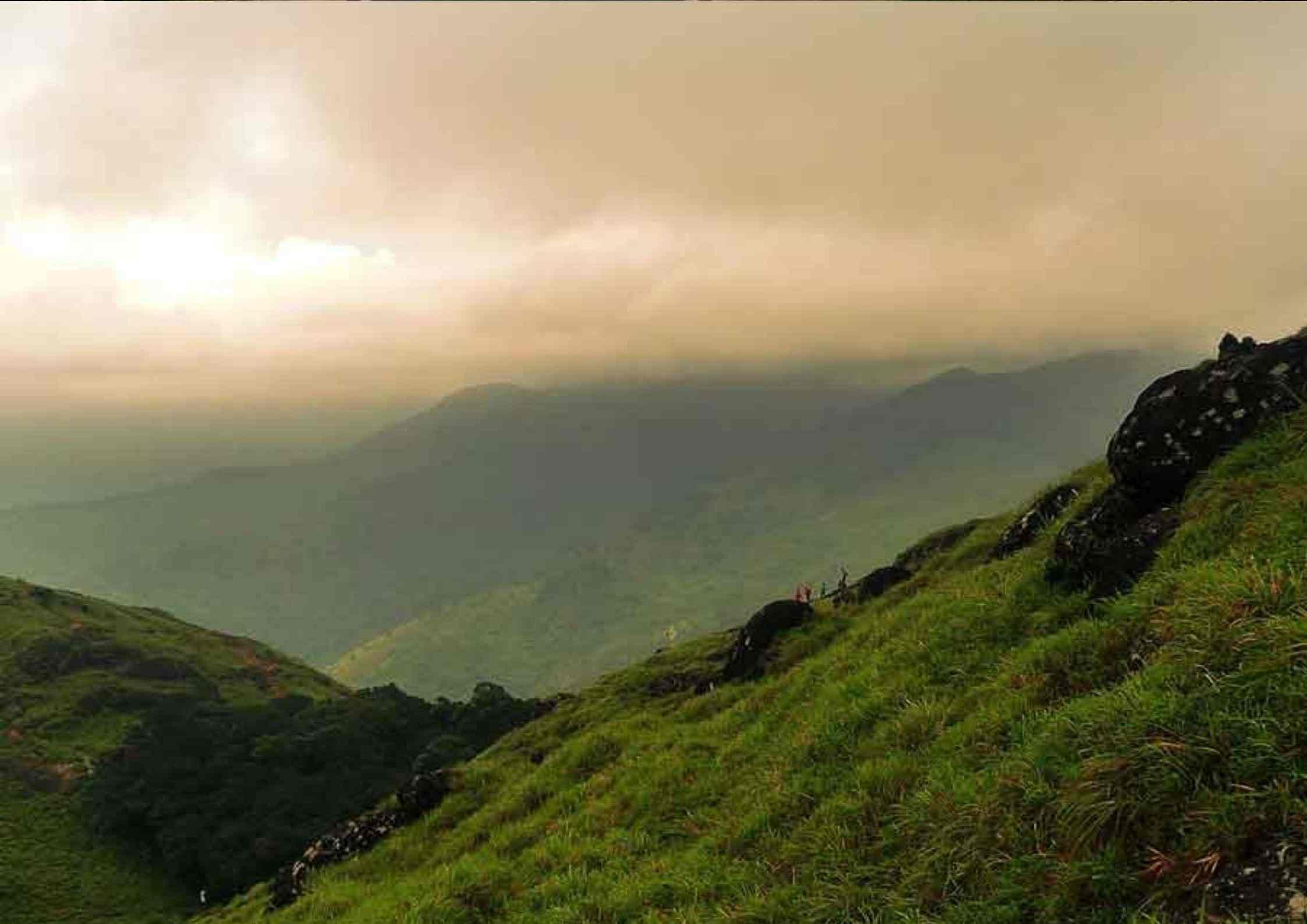 valleys at Ponmudi